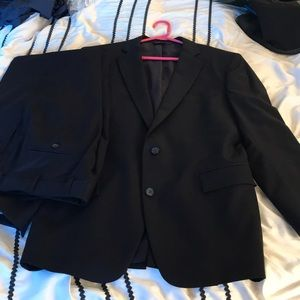 Brooks brothers navy full suit size 40R/34W
